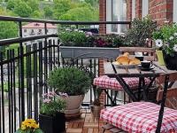 Для открытого балкона идеально подойдет складная мебель