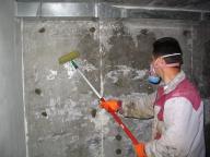 нанесение гидроизоляции в подвале