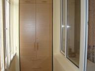 Встроенный шкаф для лоджии или балкона