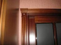 деревянные наличники на двери