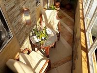 Классическое оформление балкона