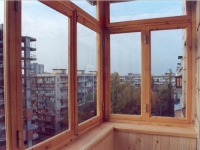 Деревянные рамы для балкона