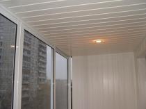 Пластиковая вагонка для отделки потолка балкона