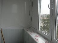 Выносной балкон по подоконнику