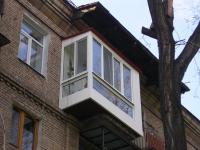 Расширенный и укрепленный балкон после ремонта