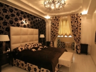 Оригинальный дизайн присоединенной к балкону спальни