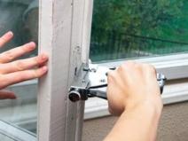 как работать строительным степлером