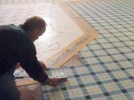 укладка мозаики на пол